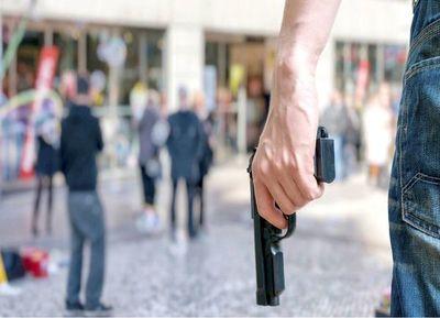 Carta al director ejecutivo de Walmart: Está en sus manos hacer algo para reducir la violencia con armas de fuego
