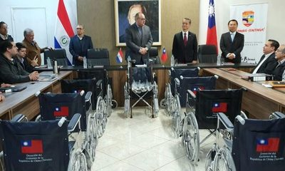 China- Taiwán donan sillas de ruedas y bastones para el Alto Paraná