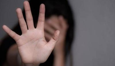 HOY / Profesor de danza abusa de  adolescente de 15 años en el  baño de municipalidad
