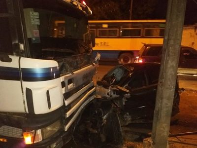 Cuádruple accidente de tránsito con derivación fatal en Limpio