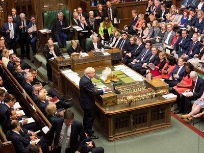 Parlamento se rebela contra Johnson y acerca la posibilidad de elecciones