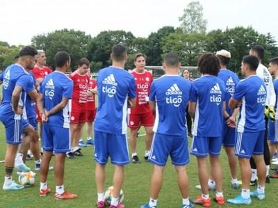 La Albirroja entrena en Tokio y se prepara para el primer amistoso ante Japón