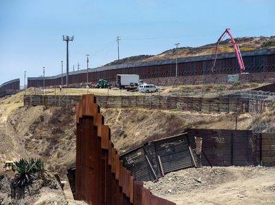 El Pentágono libera US$ 3.600 millones para muro con México