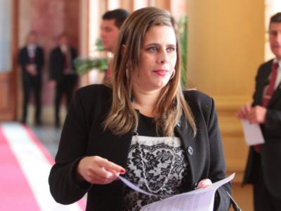 Jubilación VIP: El concepto del nuevo proyecto es 'corrupto e inmoral', según Kattya González
