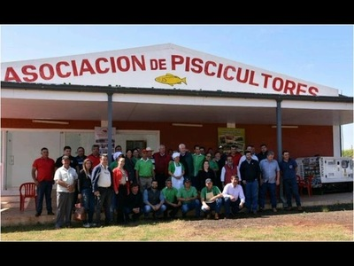 SCHMALKO VISITA LA ASOCIACIÓN DE PISCICULTORES DE NVA. ALBORADA