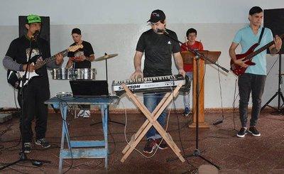 Forman una banda de cumbia en el Penal de Tacumbú