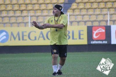 Maradona niega haber asumido en Gimnasia