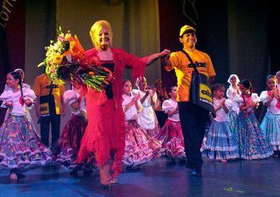 """""""Homenaje en vida"""" para la maestra Lilú Torres"""