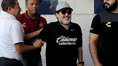 HOY / Maradona tiene todo listo para volver al fútbol argentino