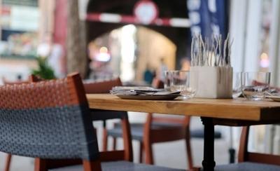 HOY / La plata ya no alcanza: mesas vacías y personal despedido, la crisis golpea fuerte
