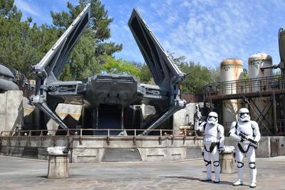 Disney inaugura un parque dedicado a Star Wars (video)