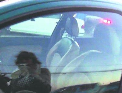 Doña encerró a su beba en el auto para entrar al hospital