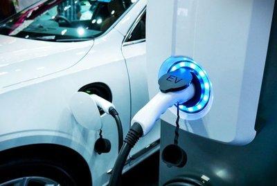 Un 20% de los autos del Estado serán eléctricos en el 2020