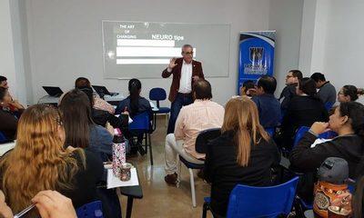 Conferencia sobre Neuroemociones en el Aula en la UNIDA