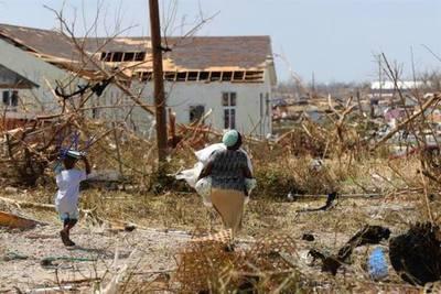 Ascienden a 30 los fallecidos por el huracán Dorian en las Bahamas