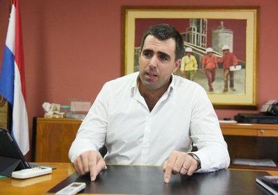 Presidente renunciante de la INC niega desacuerdos con Mario Abdo