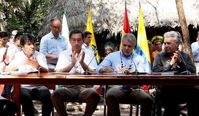 """Cumbre pacta defender Amazonía en medio de """"dardos"""" de Brasil"""