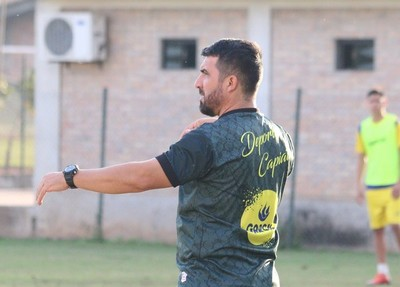Héctor Marecos y el primer objetivo: salir de la zona de descenso