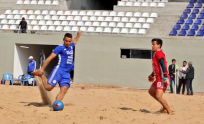 HOY / Selección playera prueba la pista del nuevo estadio