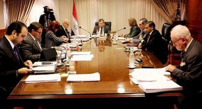 La Corte despilfarra G. 4.581 millones al año en Consejo de Administración