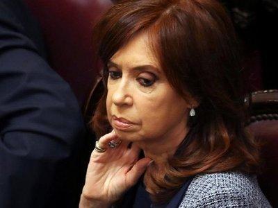 Cristina Fernández dice que la gente no vota presidentes para culpar a otros