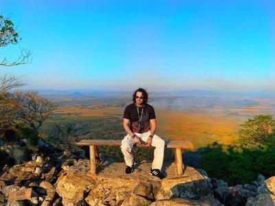 Ahora Mario Cimarro Visitó El Cerro Acahay