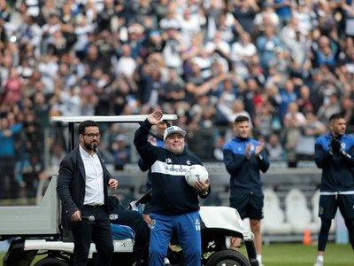 Fantástica y emotiva presentación de Maradona en Gimnasia