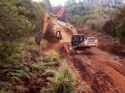 Pobladores de Mbaracayú, a pasos de  cumplir sueño de  vía asfaltada