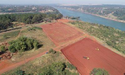 Avanzan trabajos de terraplenado en la cabecera del Puente de la Integración para instalación de la base operativa