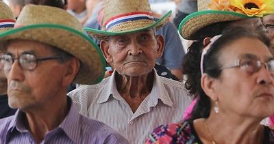 Casi 11.000 adultos mayores se incorporaron este año al programa de pensión alimentaria