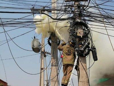 90.000 casas en Central sin electricidad por ráfagas de viento