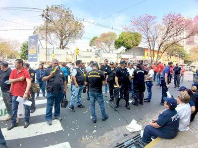 Guardiacárceles protestaron