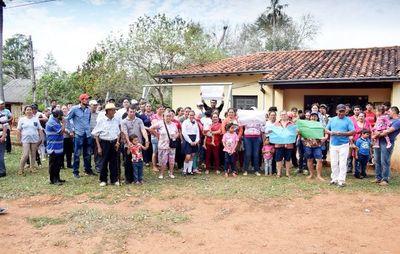 Pobladores toman puesto de salud de Cnel. Oviedo