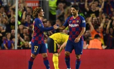 HOY / El barcelonismo espera a Messi, a Suárez... y la conexión con Griezmann