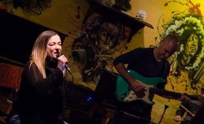 HOY / Blue Beatles en Manzana Abierta este martes