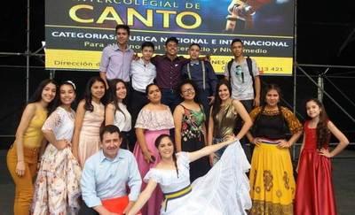 Concurso intercolegial de canto en la Expo Luque •