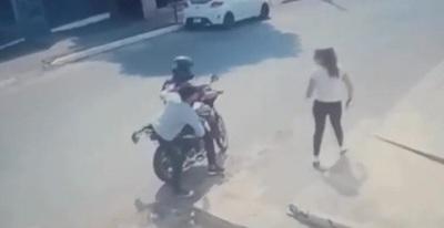 Video retrata actuar de motochorros a plena luz del día