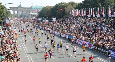 Atletas paraguayos para participar de la maratón de Berlín 2019