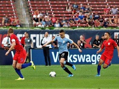 Estados Unidos mejora su juego y logra un empate valioso ante Uruguay