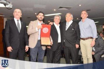 Junta Municipal de Asunción declara ciudadanos ilustres a campeones del mundo del 79