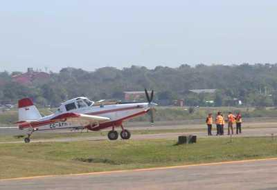 Con aviones hidrantes fortalecen tareas para aplacar incendios en el Chaco