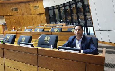 Brítez se presentó a sesionar en protesta por sesión desconvocada de Diputados