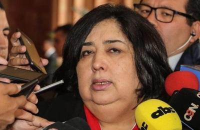 Ministra justifica participación en acto colorado