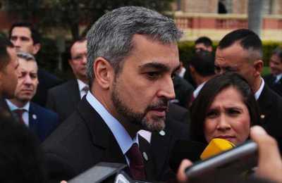 Presidente acepta renuncia del ministro de Justicia y cambia al comandante de la Policía