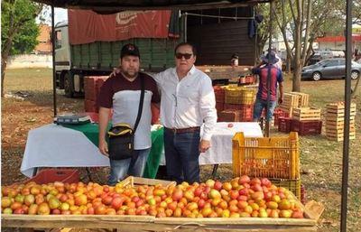 Con ferias hortícolas, estimulan ventas de tomate en Alto Paraná