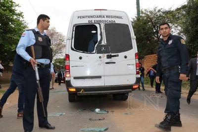 """Internos que iban con """"Samura"""" declararán en Tacumbú ante comitiva fiscal"""