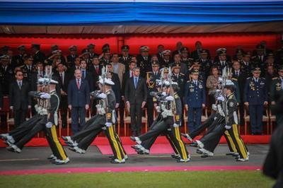Armada Paraguaya celebra su día con presencia del jefe de Estado