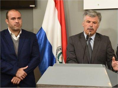 Ejecutivo admite que hubo entrega, corrupción y complicidad interna