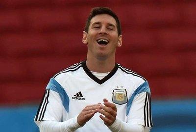 Messi goza el pase de Argentina a la final del Mundial de Basquet