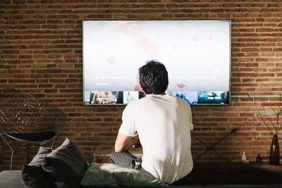 La TV nacional, una pantalla que solo vende lo grotesco y vulgar